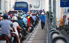"""Điều chỉnh giao thông """"điểm nóng"""" cầu Nguyễn Tri Phương"""