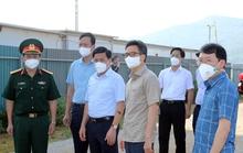 Chùm ảnh: Phó Thủ tướng Vũ Đức Đam thị sát tại tâm dịch Bắc Giang