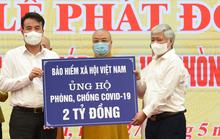 BHXH Việt Nam trao 2 tỉ đồng ủng hộ phòng chống dịch Covid-19