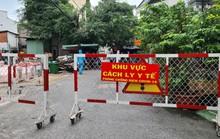 Cận cảnh lấy mẫu xét nghiệm tầm soát 50.000 người xuyên đêm tại Gò Vấp