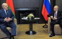 """Tổng thống Belarus cho Nga xem """"tài liệu quan trọng"""""""
