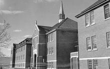 Canada: Rợn người phát hiện 215 bộ hài cốt trẻ em ở trường nội trú cũ