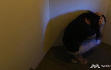 Singapore: Bắt người giúp việc ăn tóc trong nhà vệ sinh, thai phụ trả giá