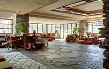 """Ngôi nhà nổi tiếng vì """"cưỡi"""" trên thác nước"""