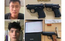 2 đối tượng dương tính với ma túy, lận lưng 3 khẩu súng và 18 viên đạn