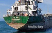 Quảng Bình: Va chạm tàu hàng, 1 tàu cá chìm xuống biển