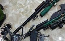 Nhiều súng, đạn trong nhà người phụ nữ buôn ma túy