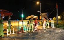 Hà Tĩnh: 2 vợ chồng bán quán nước tại bờ kè bãi biển mắc Covid-19