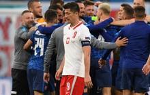 """Siêu sao Lewandowski """"tịt ngòi"""", Ba Lan thất thủ trước Slovakia"""