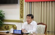 Chủ tịch UBND TP HCM: Đẩy nhanh việc mua và tiêm vắc-xin Covid-19 cho người dân