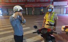 Hình ảnh bất ngờ vì bị CSGT TP HCM dừng xe do không mang khẩu trang!