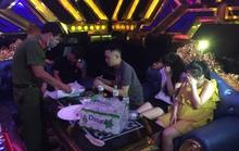 35 nam nữ bay lắc trong quán karaoke, có cả học sinh