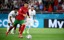 Đua dội bom, Ronaldo vượt mặt đàn em