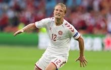 Người hùng Kasper Dolberg lập cú đúp, Đan Mạch tưng bừng giành vé tứ kết