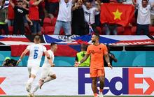 Cộng hòa Czech thổi bay cơn lốc da cam trước sự bất ngờ của thế giới