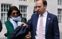 Tình nhân của cựu bộ trưởng y tế Anh bỏ chồng triệu phú