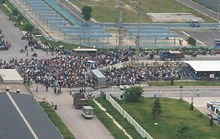 CLIP: Hàng ngàn công nhân tập trung lấy mẫu xét nghiệm Covid-19