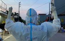 Huệ Nguyễn và những hình ảnh lay động nơi tuyến đầu chống dịch