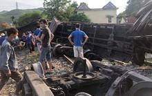 6 toa tàu đứt khớp nối trôi tự do, húc tung bờ tường khiến 1 bé trai bị thương nặng