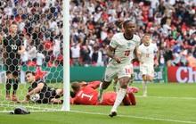 Sterling và Kane bùng nổ, tuyển Anh tiễn chân người Đức về nước