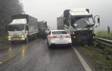 9 ôtô tông nhau liên hoàn trong mưa