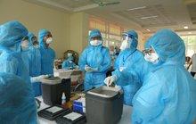 Người phụ nữ bán rau ở chợ được phát hiện dương tính SARS-CoV-2 khi vào viện khám