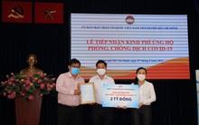 Người dân TP HCM ủng hộ hàng ngàn tỉ đồng mua vắc-xin