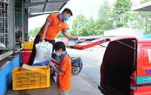 Đơn hàng online tăng đột biến, siêu thị TP HCM mong khách hàng thông cảm vì chờ lâu