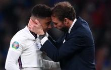 HLV Southgate nói gì khi tuyển Anh thua trên chấm luân lưu?