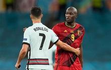 Lukaku chiếm sóng Ronaldo, góp mặt đội hình tiêu biểu Euro 2020