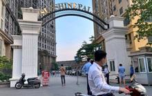 Chung cư Sunshine Palace với gần 1.000 người bị phong tỏa