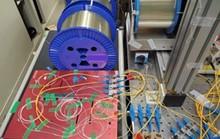 Ngỡ ngàng kỷ lục truyền dữ liệu bằng tia laser của Nhật Bản