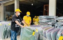 Ca sĩ Tùng Dương kêu gọi được hơn 3 tỉ đồng mua máy thở, gạo tặng người dân TP HCM