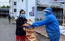 Cá, tôm, tép khô nghĩa tình Quảng Nam đến với công nhân cách ly