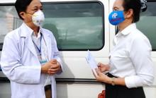Nhà văn ủng hộ y - bác sĩ tuyến đầu chống dịch Covid-19