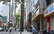 Khách sạn rao bán khắp nơi