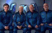 Jeff Bezos đặt mục tiêu doanh thu 100 triệu USD từ du lịch vũ trụ