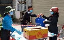 TP HCM: Thực hư quận 12 bỏ rơi 16 lao động nghèo