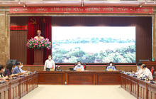 Hà Nội cấm shipper giao hàng, hỗ trợ tiền cho nhiều người dân bị ảnh hưởng bởi dịch
