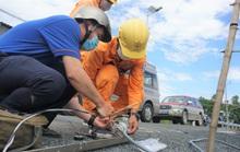 Tổng Công ty Điện lực miền Nam tăng cường hướng dẫn phòng tránh tai nạn điện mùa mưa bão
