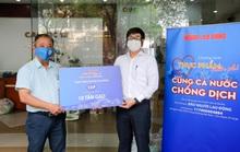 Báo Người Lao Động trao 10 tấn gạo để CEP chia sẻ đến người lao động