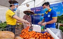 CLIP: Người dân mừng ra mặt khi mua được nhiều nhu yếu phẩm ở siêu thị 0 đồng