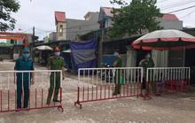 Phong tỏa khu dân cư có nhân viên nhà hàng mắc Covid-19