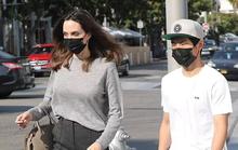 Pax Thiên thường xuyên tháp tùng mẹ nuôi Angelina Jolie