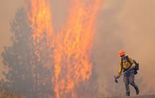 Mưa như trút nước ở Nhật, sấm sét, cháy rừng ở Mỹ