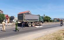 Quảng Bình: Băng qua đường, người phụ nữ bị xe tải tông tử vong