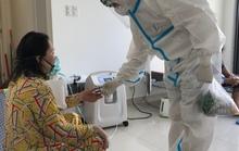TP HCM: Bệnh nhân Covid-19 thứ 10.000 được về nhà từ 1 bệnh viện dã chiến