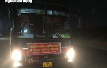 Quảng Bình bắt quả tang xe khách lén chở 36 người từ phía Nam về quê
