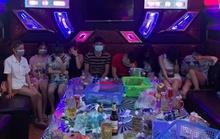 Nhóm nam, nữ  mở đại tiệc bay lắc giữa dịch Covid-19