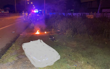 Khiêng người bị tai nạn tử vong vào lề rồi... trộm xe nạn nhân